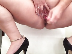 Mature squirting