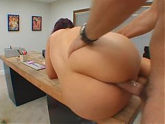 How to Fuck a PAWG MILF Secretary on the Office Desk