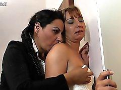 Mature slut mothers takes old black cock