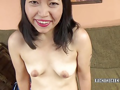 Asian slut Yuka Ozaki is on her knees and sucking dick
