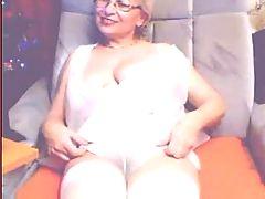 Mature Slut on webcam