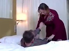 Versaute stepMom vernascht NOT her stepson