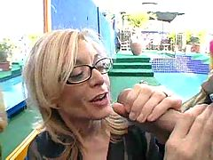 Nina Hartley gives always her Best F70