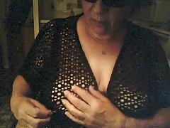 Granny with saggy tits on cam