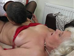 Mature slut fucking and sucking