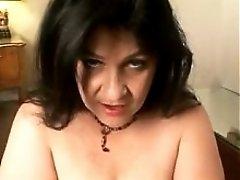 Do u like saggy tits and hairy puss