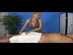 Tracy's Hand Job Haven R20