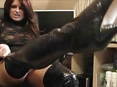 Amateur Brunette MILF masturbating