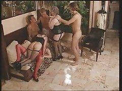 Mature gangband anal joung cocks troietroia bello duro per bene in fondo al culo e spacca tutto
