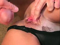 MEGA HOT MATURE SQUIRTING & CUMMING!!