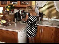 Little mature enjoy sex in the kitchen